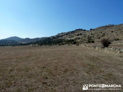 La sierra Oeste de Madrid. Puerto de la Cruz Verde, Robledo de Chavela, ermita de Navahonda. senderi